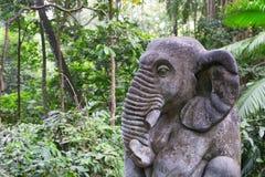 Het standbeeld van de olifantssteen in Ubud, Bali, Indonesië Stock Foto