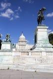 Het standbeeld van de Ulyssess Toelage en de capitolbouw Royalty-vrije Stock Foto's