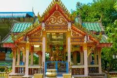 Het standbeeld van godsbrahma met vier gezichten van de schepper in tempel van W Royalty-vrije Stock Foto