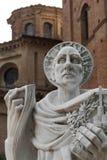 Het standbeeld van heilige Bernardo Tolomei in Romaanse Abbazia territoriale royalty-vrije stock afbeeldingen