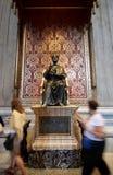 Het standbeeld van Heilige Peter in St. Peter Basiliek Stock Afbeeldingen