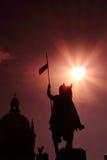 Het Standbeeld van heilige Wenceslav onder zon Royalty-vrije Stock Foto's
