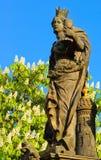 Het standbeeld van heiligen Barbara, Margaret en Elizabeth op Charles Bridge royalty-vrije stock afbeelding