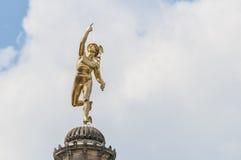 Het standbeeld van het kwik in Schlossplatz, Duitsland royalty-vrije stock afbeeldingen
