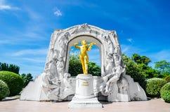Het standbeeld van Johann Strauss stock afbeelding