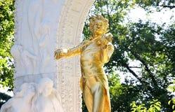 Het standbeeld van Johann Strauss in Wenen, Oostenrijk stock afbeeldingen