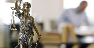 Het standbeeld van Jutsice Royalty-vrije Stock Afbeeldingen