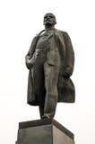 Het standbeeld van Lenin in een park in Rusland Stock Foto's