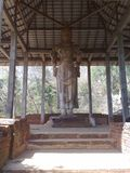 Het standbeeld van Lordbudhdha van Maligawilaawalokitheshwara in Sri Lanka Stock Afbeeldingen