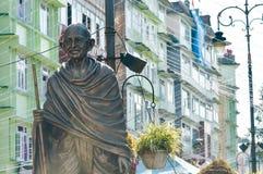 Het standbeeld van Mahatma Gandhi in MG Marg dichtbij wandelgalerijweg, Gangtok, Sikkim, India één van het meest bezocht in de st stock fotografie