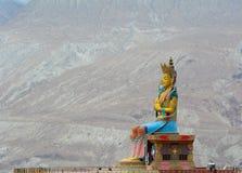 Het standbeeld van Maitreyaboedha in Ladakh, India stock foto's