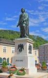 Het standbeeld van Mozart in Salzburg, Oostenrijk royalty-vrije stock foto