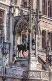 Het standbeeld van prinsregent luitpold bij Nieuwe Councill-Zaalvoorgevel in Mun Stock Afbeelding
