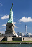Het standbeeld van Vrijheid en Manhattan Royalty-vrije Stock Foto's