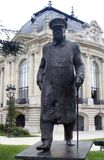 Het standbeeld van Winston churchill in Parijs Stock Afbeelding