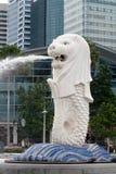 Het standbeeldfontein van Merlion in Singapore Royalty-vrije Stock Foto's