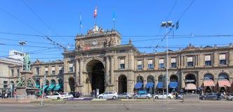 Het station van Zürich Hoofd de bouwvoorgevel royalty-vrije stock afbeelding