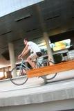 Het stedelijke biking Stock Foto's