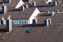 Het stedelijke high-density flatgebouw met koopflatsbouwstenen huisvesten Stock Foto's
