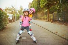 Het stedelijke rol schaatsen stock foto's