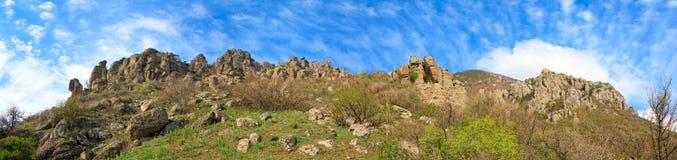 Het steenachtige panorama van de Berg Demerdzhi (de Krim) Stock Afbeeldingen