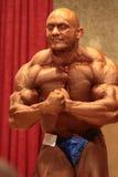 Het stellen van de bodybuilder Royalty-vrije Stock Afbeelding