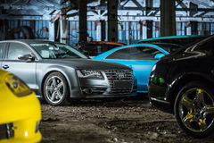 Het stemmen van Gray Audi S8 Stock Afbeelding