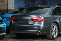 Het stemmen van Gray Audi S8 Royalty-vrije Stock Foto's