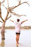 Het sterven boom in een meer dat is overstroomd, Royalty-vrije Stock Fotografie