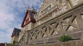 Het stijgen voor het belangrijkste ingangszuiden Facade Palacio DE La Magdalena 04 stock videobeelden