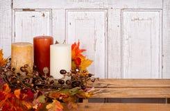 Het stilleven van de herfst met eikels en bladeren Royalty-vrije Stock Foto