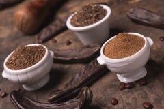 Het stilleven van de johannesbroodbloem Stock Foto's