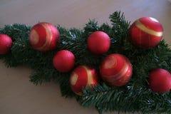 Het stilleven van kerstboombollen Stock Afbeeldingen