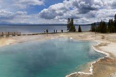 Het stomen van de aqua hete lente, Yellowstone Royalty-vrije Stock Afbeeldingen