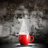 Het stomen van de Kop van de Koffie Stock Foto's