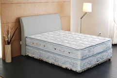 Het stootkussen van de bedmatras Stock Afbeelding