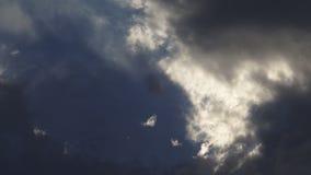 Het stormachtige Wolken Overgaan stock footage