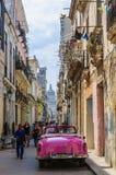 Het straatleven in La Habana Vieja, Cuba Stock Afbeelding