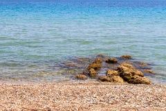 Het strand bij de Middellandse Zee in Korfu stock foto's