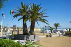 Het strand bij de toevlucht van Rimini, Italië royalty-vrije stock fotografie