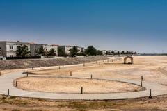Het strand in de Koning Abdullah University van Wetenschap en Technologiecampus, Thuwal, Saudi-Arabië stock afbeelding