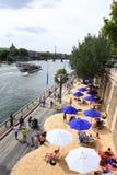 HET STRAND IN DE STAD IN PARIJS, FRANKRIJK Stock Fotografie