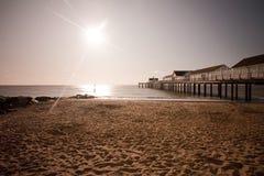 Het strand en de pijler van Southwold stock foto's