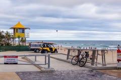 Het strand en het landschap in Surfersparadijs op de Gouden Kust Stock Foto's
