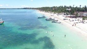 Het strand en het overzees van de Dominicaanse Republiek stock footage