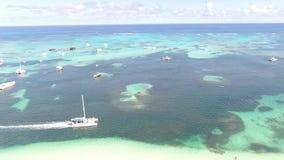Het strand en het overzees van de Dominicaanse Republiek stock video
