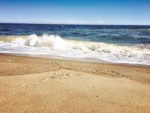 Het strand is mijn gelukkige plaats stock foto's