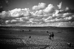 Het strand in retro stijl Stock Afbeelding