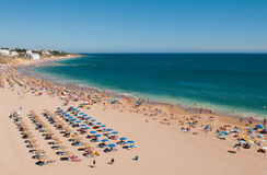 Het strand van Albufeira in Algarve Royalty-vrije Stock Afbeelding