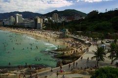 Het strand van Arpoador stock fotografie